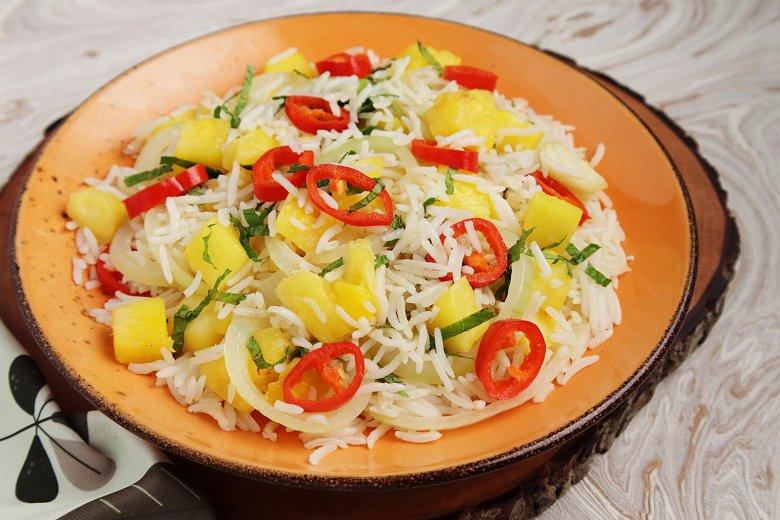 Reis mit Chili und Ananas