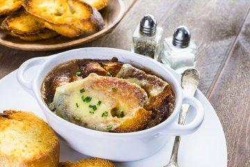 Echte französische Zwiebelsuppe