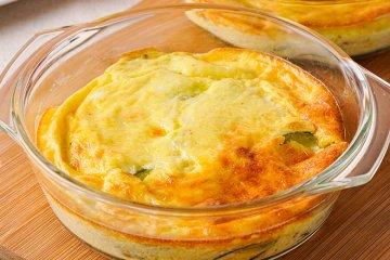 Zucchini mit Käse überbacken