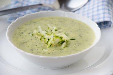 Zucchini-Kohlrabisuppe
