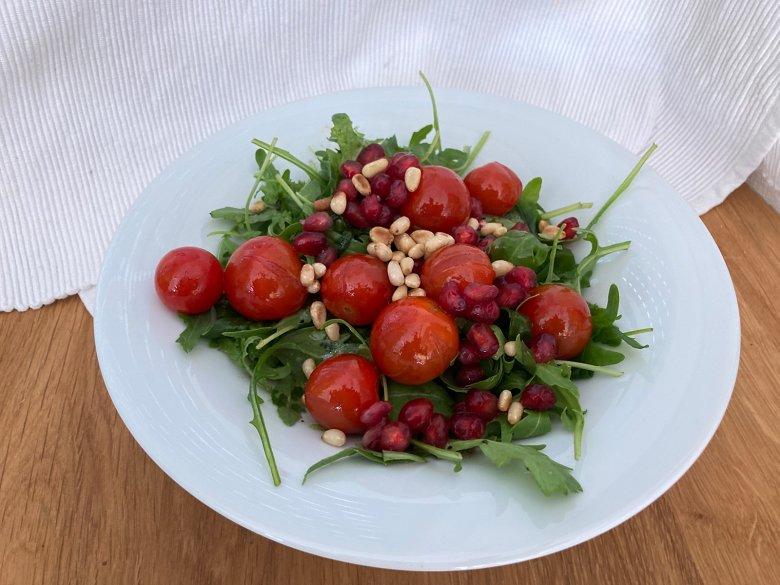 Rucola mit Granatapfel