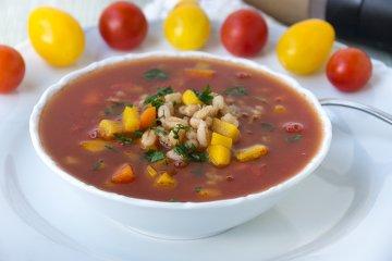 Tomatensuppe mit Graupen