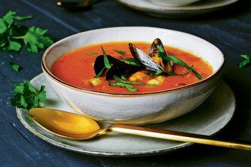 Muschel-Tomatensuppe mit Safran