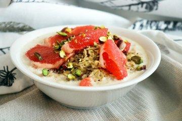 Porridge mit Grapefruit und Mandelmilch