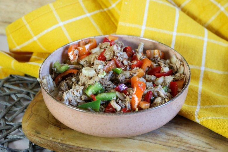 Paprika-Salat mit Thunfisch
