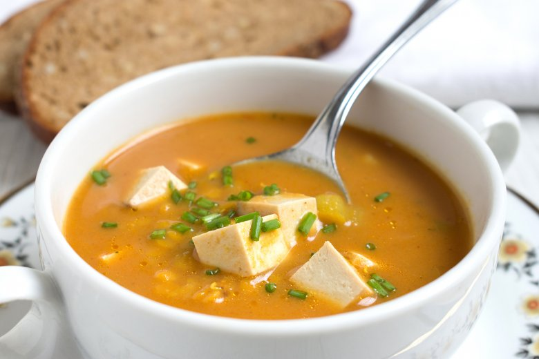 Linsensuppe mit Tofu