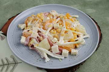 Lauchsalat mit Käse