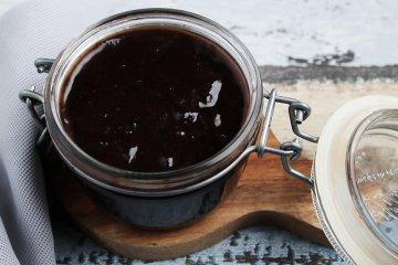 Pflaumenmus mit Schokolade