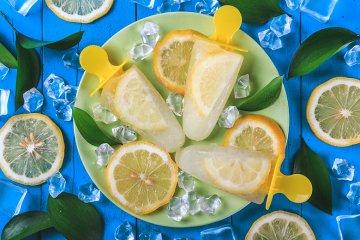Zuckerfreies Zitroneneis am Stiel