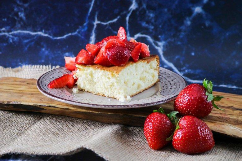 Veganer Erdbeer-Biskuit