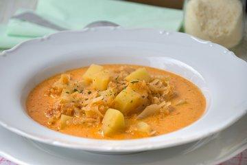 Sauerkrautsuppe mit Kartoffeln