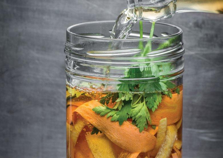 Hildegards Gemüsekraftsuppe mit Chili-Dinkel-Frittaten