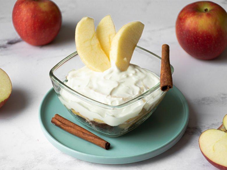 Süße Apfel-Joghurtcreme
