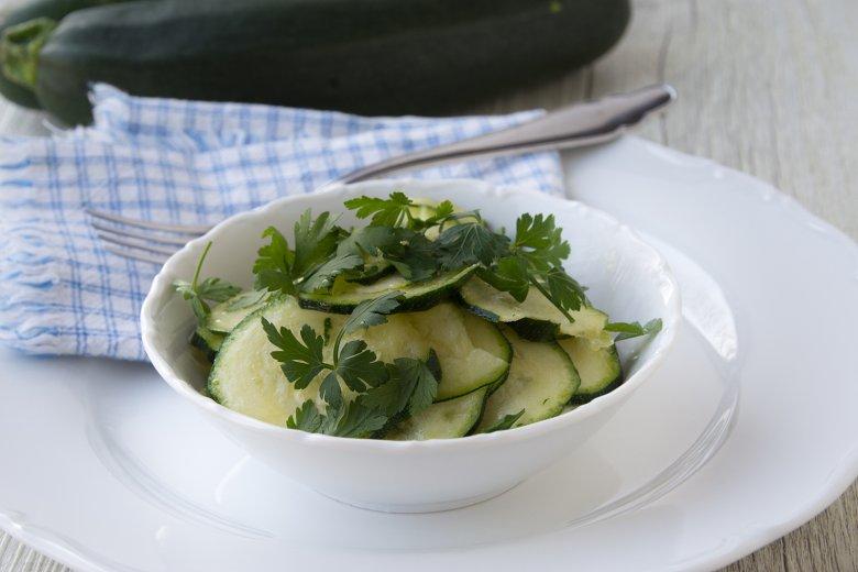 Einfacher Zucchinisalat