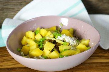 Zucchinisalat mit Feta