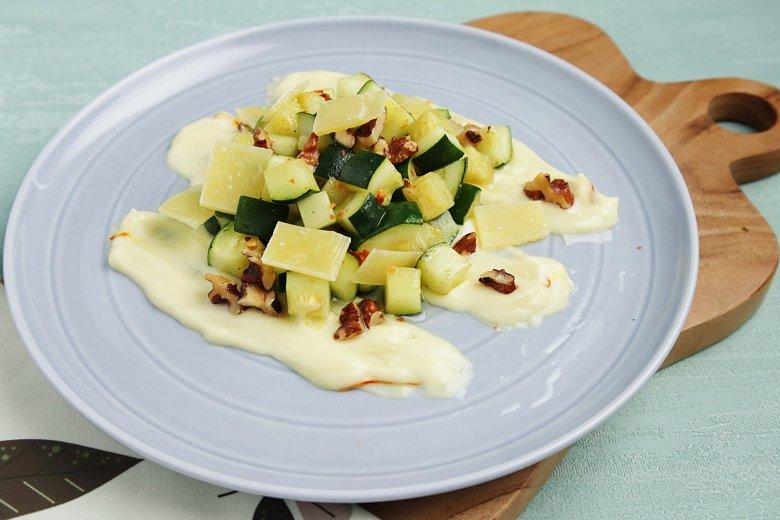 Zucchinisalat mit Joghurt
