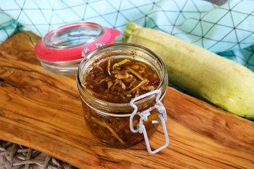 Zucchinisalat mit Curry