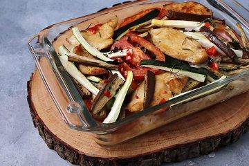 Auflauf mit Zucchini, Auberginen und Hähnchen