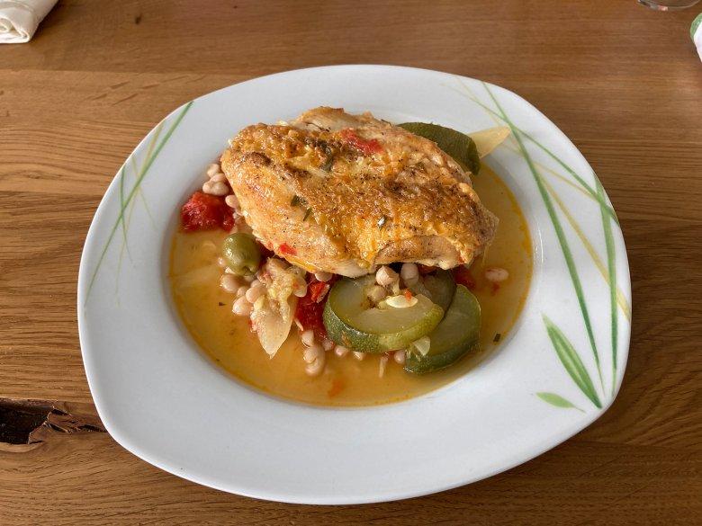 Huhn auf Gemüse