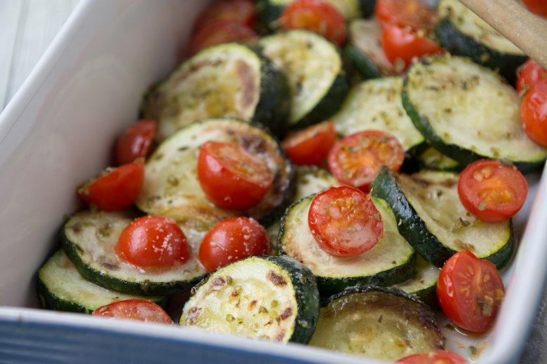 Zucchinigemüse mit Tomaten