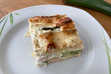 Zucchini-Lasagne mit Lachs
