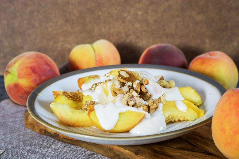 Quarkcreme mit Pfirsichen