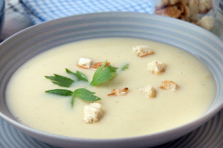 Sahnige Weißweinsuppe