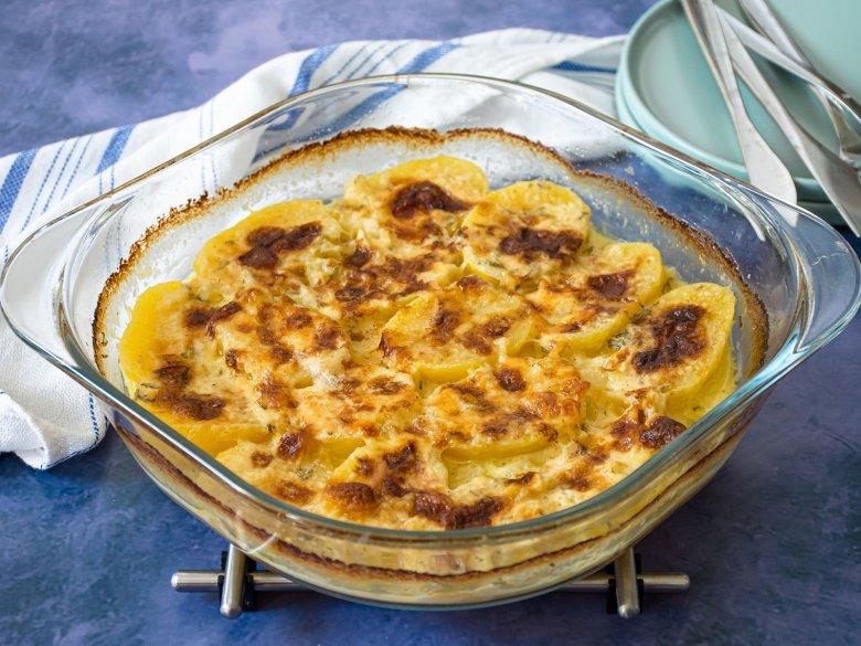Käsehaube auf Kartoffeln