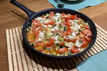 Edle Zucchinipfanne mit Tomaten