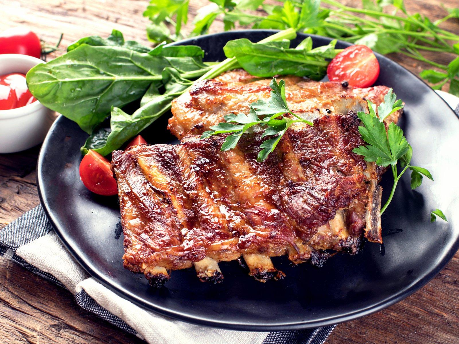 Spareribs På Gasgrill : Spareribs vom grill rezept gutekueche.de