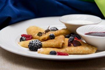 Pfannkuchen mit Waldbeeren