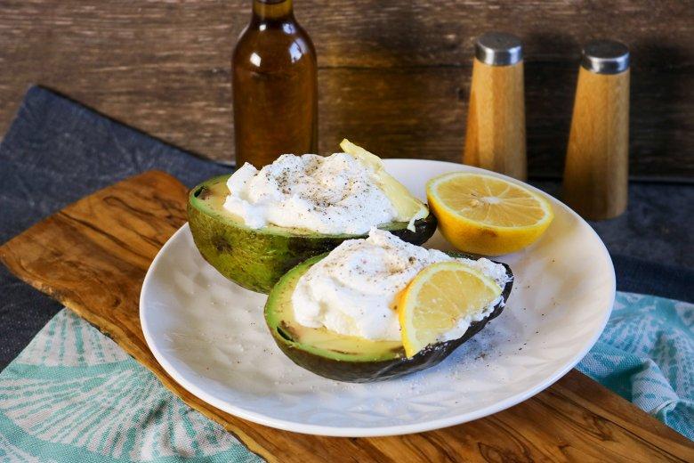 Avocado mit Cremefüllung