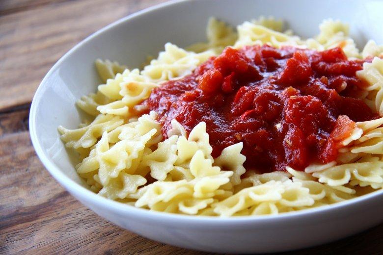 Einfache Nudeln mit Tomatensauce