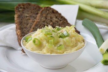 Veganer Kartoffelaufstrich mit Sesam