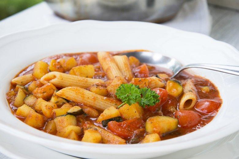 Mediterraner Zucchinieintopf