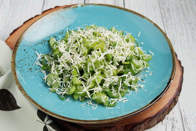 Einfacher Stangensellerie-Salat