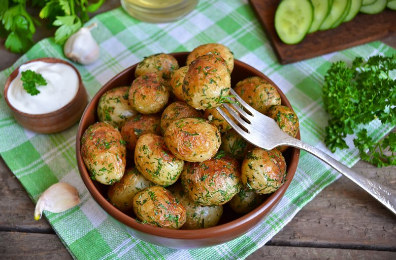 Ofenkartoffeln mit Knoblauchsauce