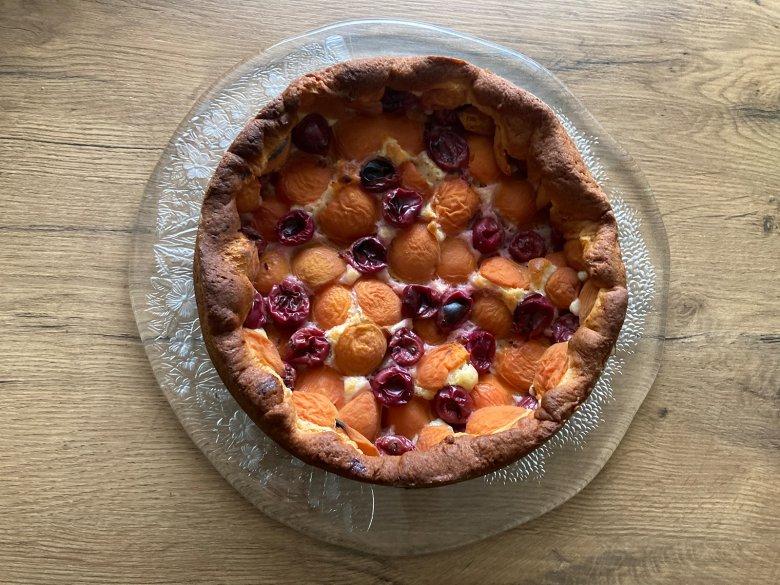 Aprikosen-Stachelbeer-Kuchen