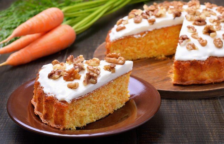 Karottenkuchen mit Frischkäseguss