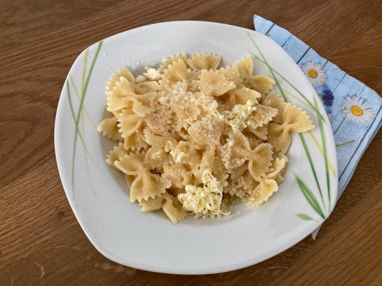 Nudeln mit Butter