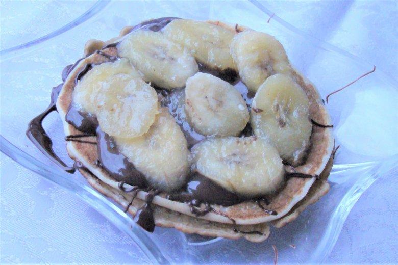 Haferpfannkuchen mit Bananen und Nutella