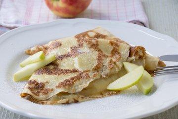 Haferpfannkuchen mit Apfelmus