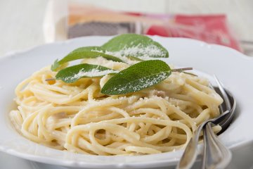 Spaghetti in Gorgonzola-Salbeisauce