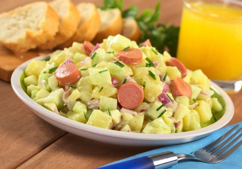 Kartoffelsalat mit Wiener Würstchen