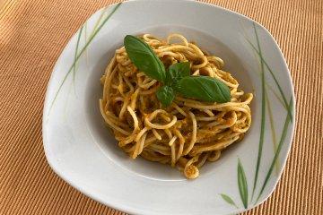 Spaghetti mit Möhrensoße