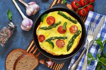 Spargel-Tomaten-Omelette
