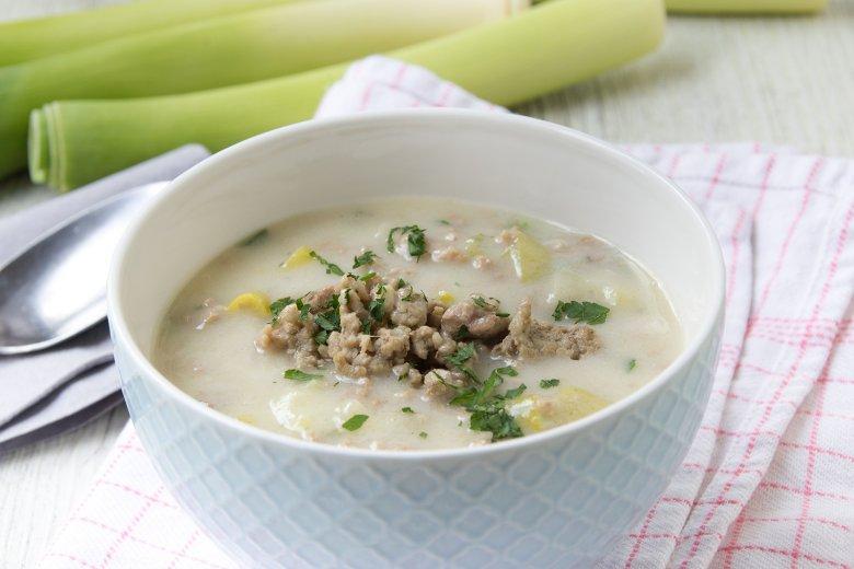 Käse-Lauch-Suppe mit Frischkäse