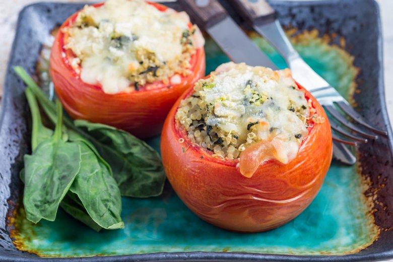 Gefüllte Tomaten mit Quinoa und Spinat