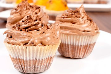 Cupcakes mit Schokoladen-Topping