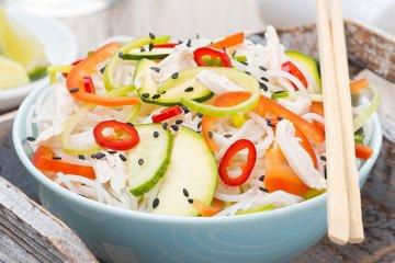 Thai-Salat mit Gemüse